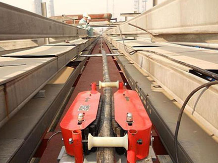 牵引输送电缆的新型电缆输送机专利